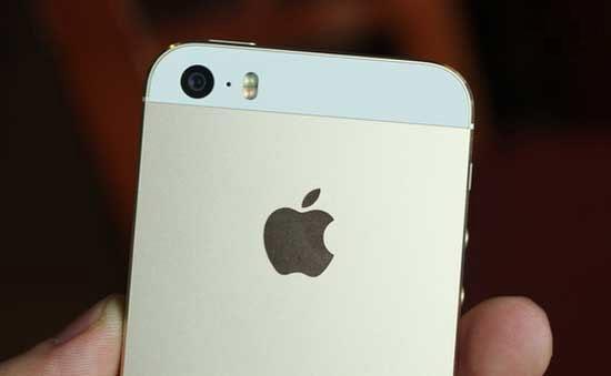 Tình trạng đèn flash của iPhone 5s bị hư hỏng.
