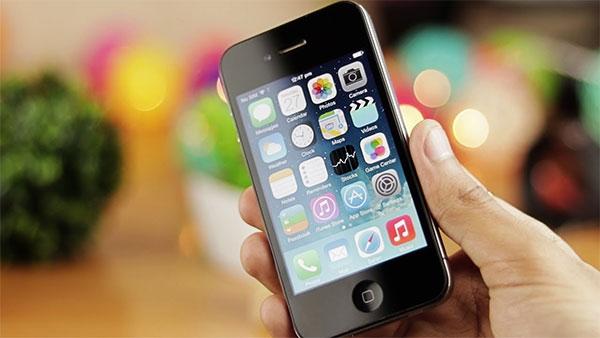 iPhone 4 và 4s vẫn giữ nguyên kích thước màn hình là 3,5 inch