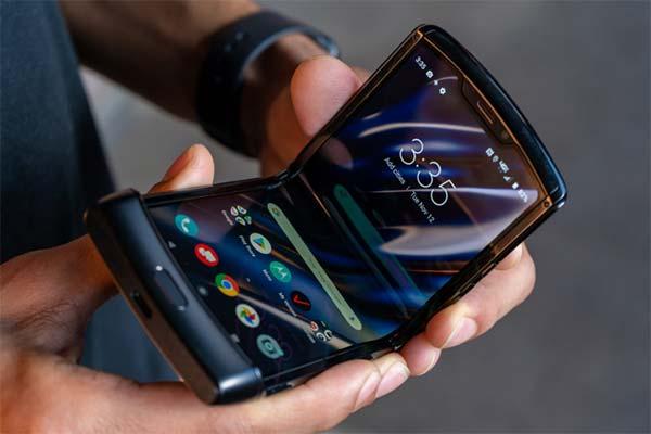 """Motorola ra mắt phiên bản """"làm lại"""" Razr mới diện mạo hoàn toàn mới"""