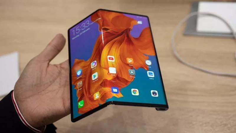 Chiếc điện thoại màn hình gập Huawei Mate X ra mắt tại thị trường Trung Quốc