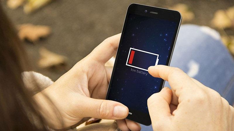 Điện thoại tụt pin nhanh cản trở sử dụng điện thoại