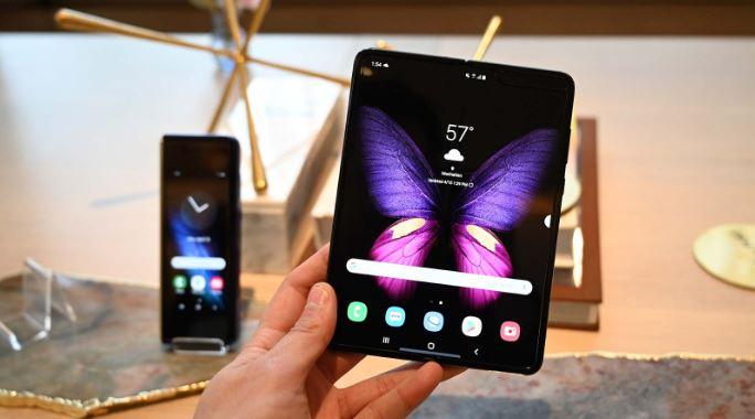 Galaxy Fold kết hợp linh hoạt giữa thiết kế điện thoại và máy tính bảng