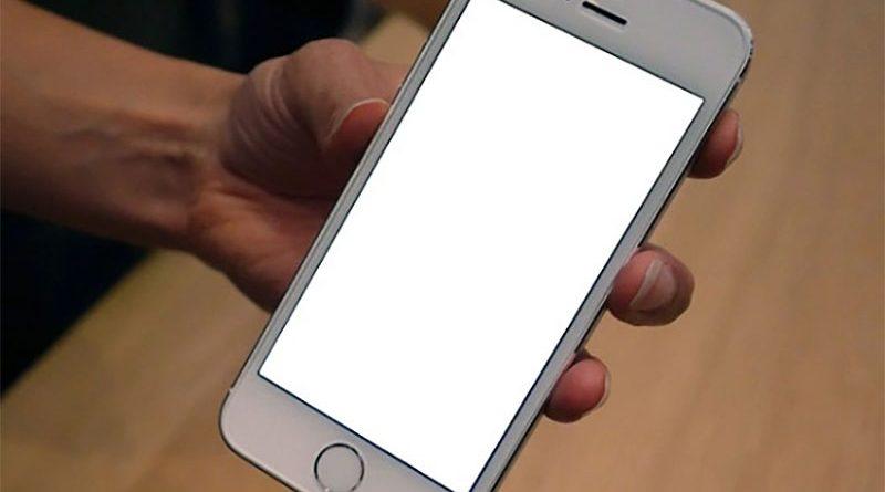 Khắc phục tình trạng màn hình iPhone 5s bị trắng xóa (1)