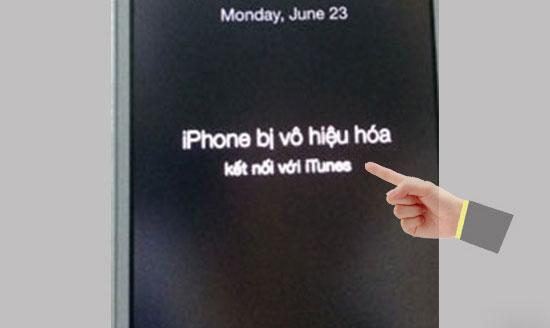 Nguyên nhân dẫn tới thiết bị iPhone 5 bị vô hiệu hóa kết nối với iTunes chính là người dùng nhập sai mật khẩu màn hình
