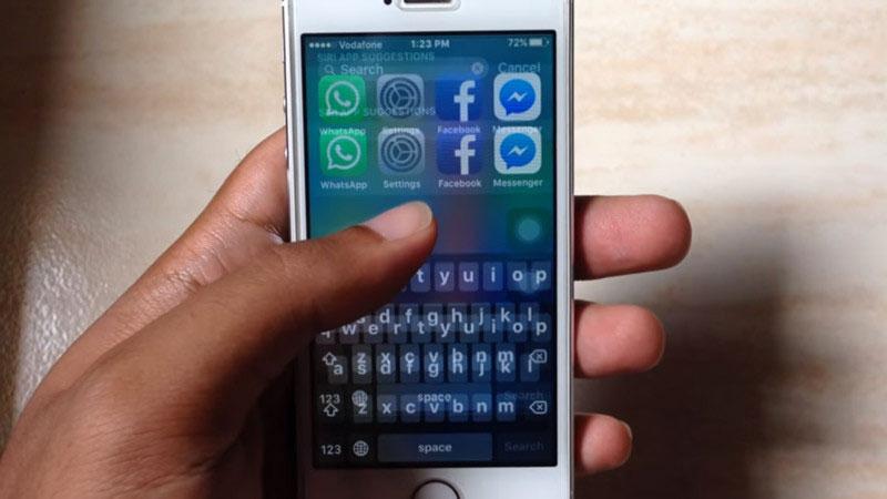 Một nguyên nhân khác nằm ở việc sạc iPhone 5