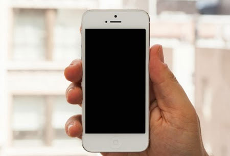 iPhone 5 đang sử dụng bình thường bỗng nhiên màn hình đen xì.