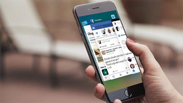 Mở giao diện quản lý đa nhiệm trên iPhone