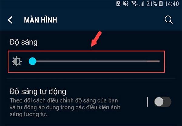 Bỏ chọn độ sáng tự động trên màn hình tùy chỉnh theo môi trường