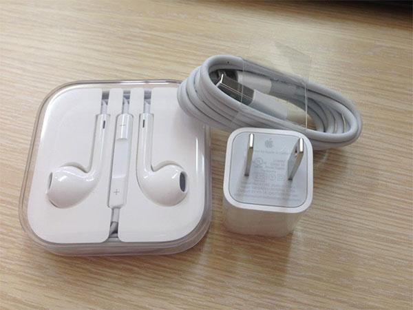 Sử dụng cáp sạc chính hãng cho iPhone 7